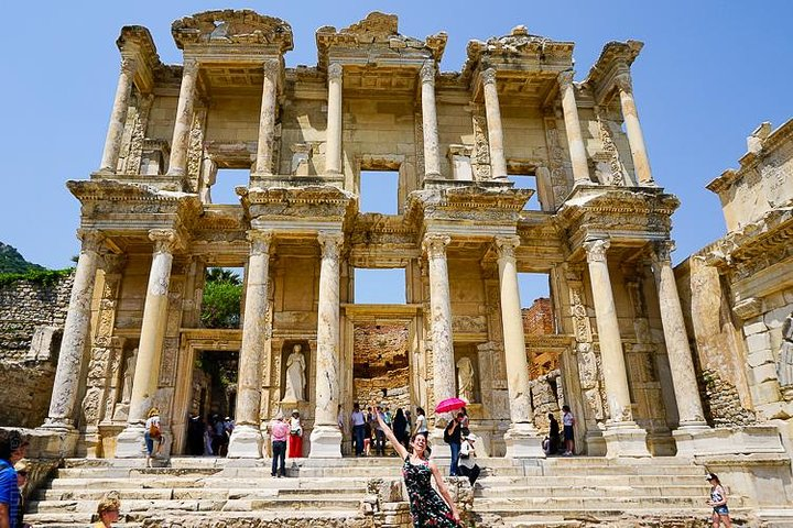 Ancient Ephesus & Ephesus Museum & St. John's Basilica Tour from Kusadasi, Kusadasi, TURQUIA