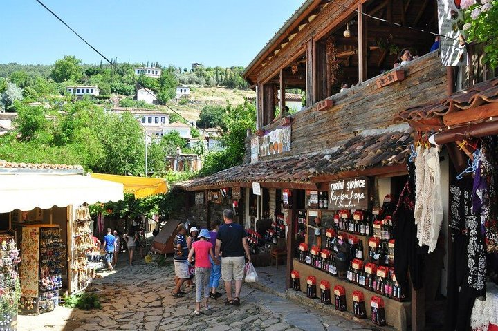 Turkish Delights Sirince Village &Ephesus from Izmir Hotels,Cruise Port, Izmir, TURQUIA