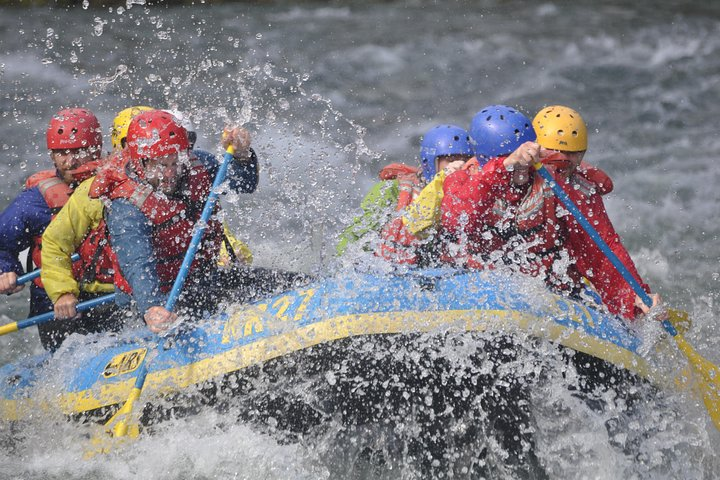 Paddles and Pints: Brewery Tour and Whitewater Rafting on the Wenatchee River, Chelan, WA, ESTADOS UNIDOS