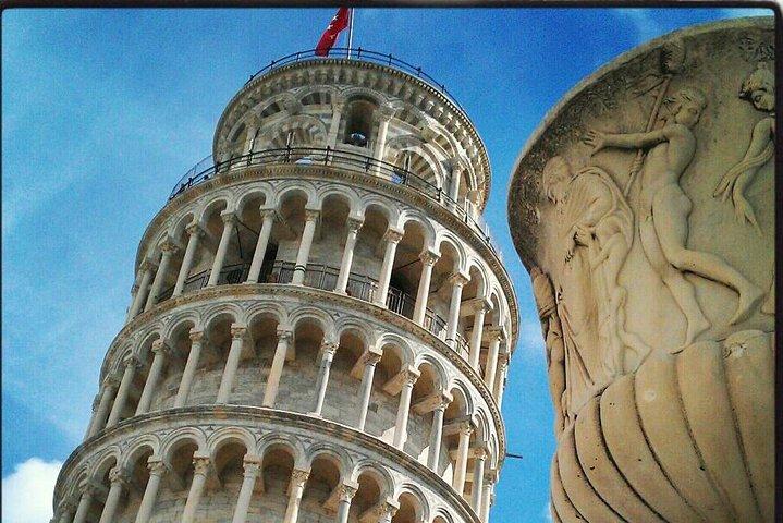 Visita guiada con entrada Evite las colas de la Torre Inclinada de Pisa para grupos pequeños, Pisa, ITALIA