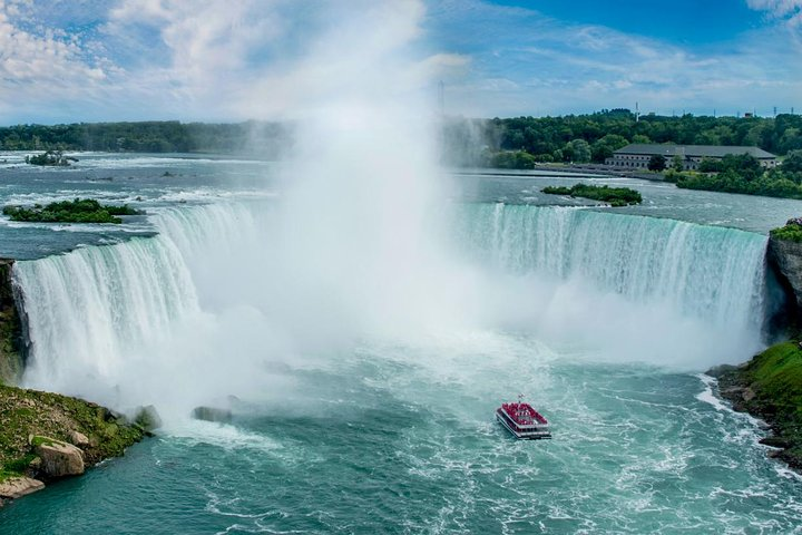 Small-Group Niagara Falls Day Tour from Toronto with Boat and Lunch Options, ,