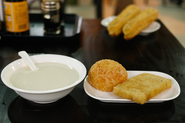 Late Night Food Tour in the Shanghai's French Concession, Shanghai, CHINA