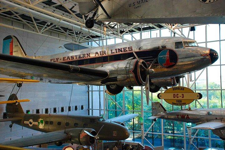 Excursión semiprivada para 8 personas como máximo al Museo Nacional del Aire y el Espacio de Estados Unidos del Instituto Smithsonian y el Museo de Historia Americana, Washington DC, ESTADOS UNIDOS