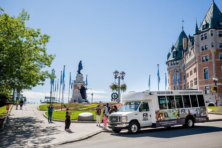 Small Group Excursion of Quebec City and Montmorency Falls, Quebec, CANADÁ