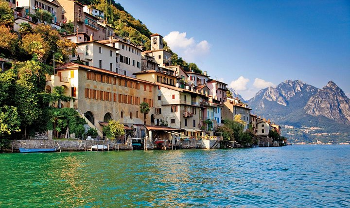 Guided Walk from Lugano to Gandria promoted by Lugano Region - return by boat, Lugano, SUIZA
