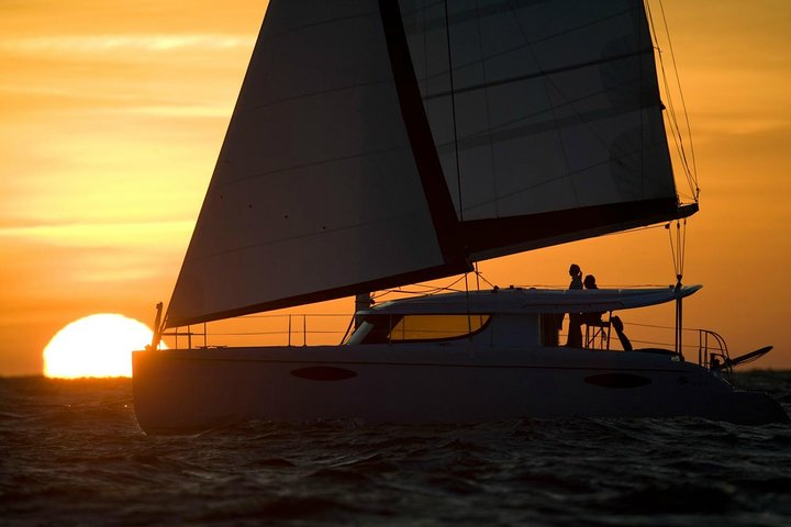 Catamaran Day & Sunset Cruises with meals Drinks and transportation, Miconos, GRECIA