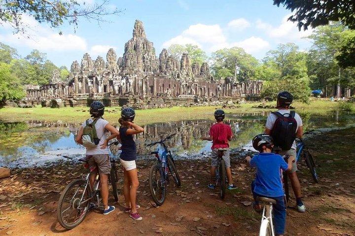 Angkor Wat & Bayon: the Smiling Temple, Siem Reap, Camboja