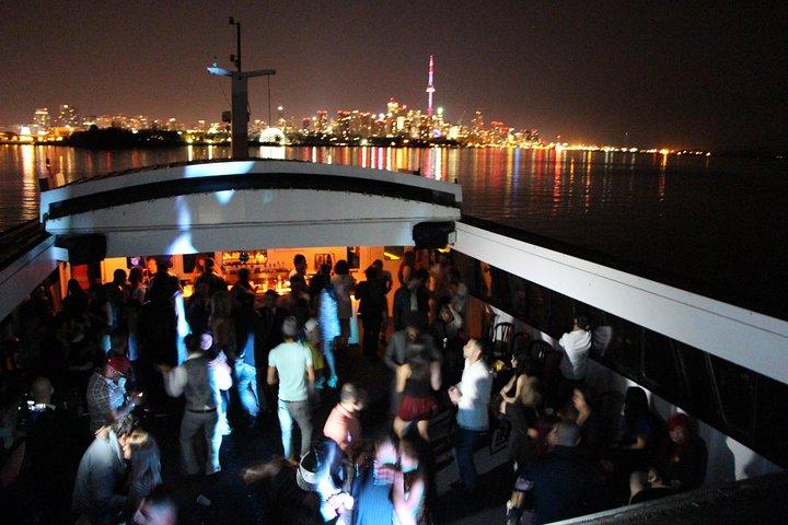 Toronto Obsession III Dinner Boat Cruise, Toronto, CANADA