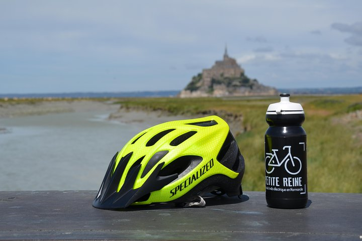 Bike Tour to Le Mont Saint Michel, Bayeux, França