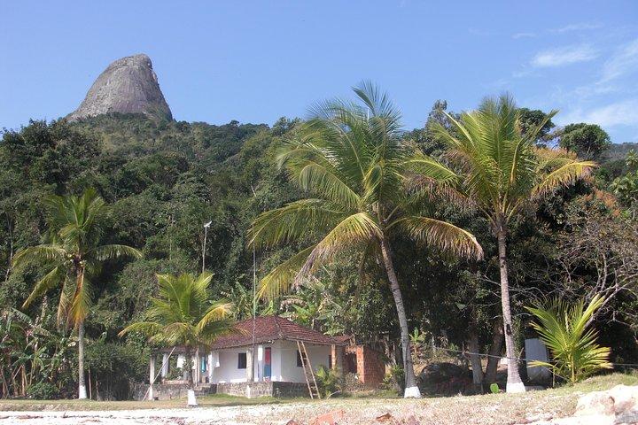Mamangua Sugarloaf Peak Hike, Paraty, BRASIL