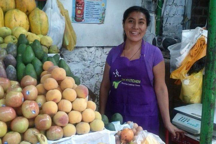 Market tour + Tasting of 35 fruits + 4 course Peruvian Cooking Class, Lima, PERU