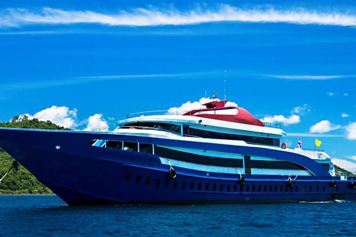 Ferry Ticket & Transfer between Phuket and Phi Phi Island, Krabi, Tailândia
