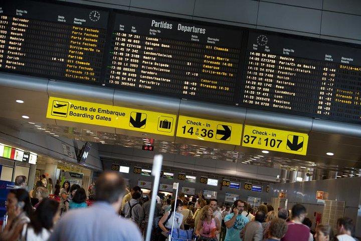 Traslado privado de salida de Lisboa al aeropuerto, la estación de tren o el puerto, Lisboa, PORTUGAL