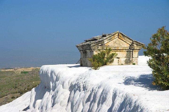 Pamukkale Hot Springs and Hierapolis Ancient city, Antalya, TURQUIA