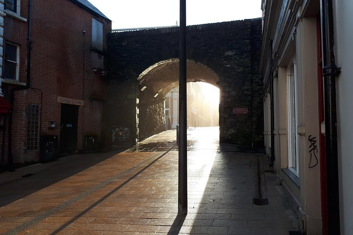 Derry Walls Private Walking Tour, Londonderry, Ireland
