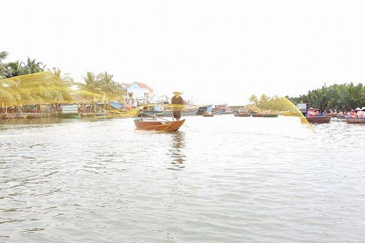 Basket Boat Tour & Fishing-Crabbing, Hoi An, VIETNAM