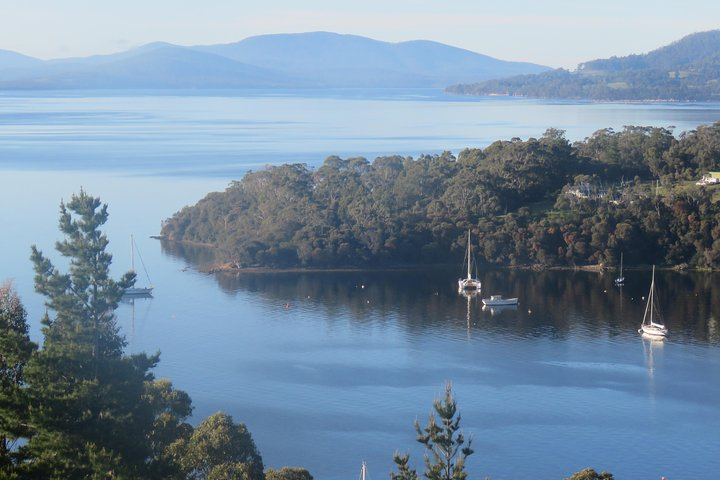 Twilight Sail Bruny Island, Hobart, AUSTRALIA