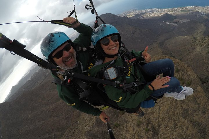 Vuelo estándar en parapente en tándem sobre Adeje, Tenerife sur, Tenerife, ESPAÑA