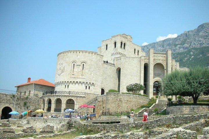 Discover Kruja and Sari Salltik Hiking Tour from Tirana, Tirana, Albânia