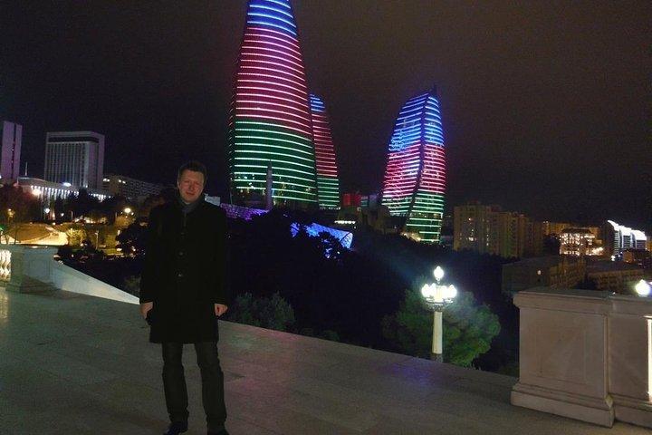Baku by Night: Small-Group Walking Tour, Baku, Azerbaidjão