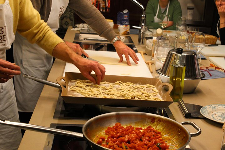 Traditional Home Hands on Cooking Class in Pisa, Pisa, ITALIA