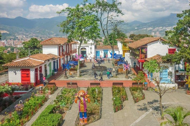 Recorrido privado de medio día por la ciudad de Medellín con visita a la Comuna 13, Medellin, COLOMBIA