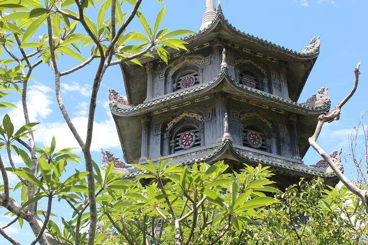 Half-day MARBLE MOUNTAINS & LINH UNG PAGODA from HOI AN, Hoi An, VIETNAM