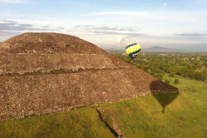 Excursión de día completo en globo en Teotihuacán en globo desde la Ciudad de México, Ciudad de Mexico, MEXICO