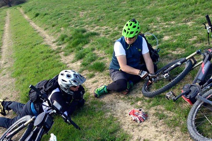 Taste & Bike around Todi, local guide and e-bike included, Perugia, ITALIA