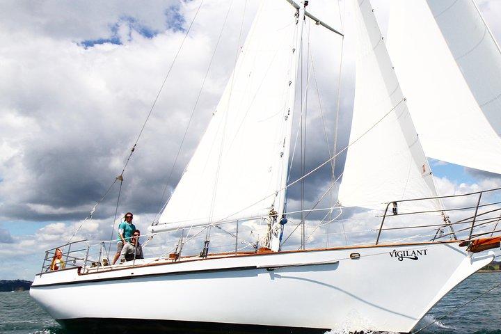 Small Group, Day Bay of Islands Sailing Cruise, Aboard Vigilant, Bahia de Islas, NUEVA ZELANDIA