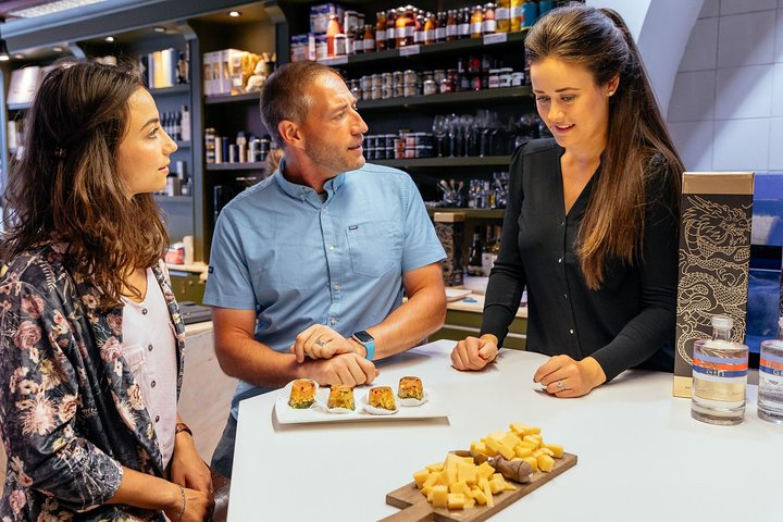 The 10 Tastings of Bruges With Locals: Private Food Tour, Brujas, BELGICA
