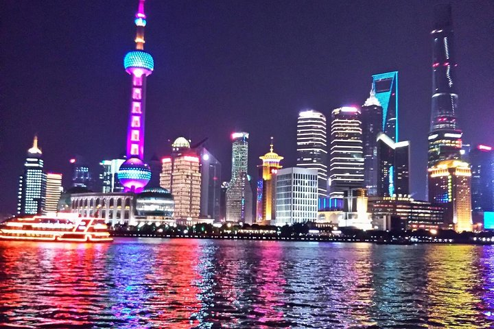 Evening Thai Dinner and Huangpu River Cruise in Shanghai, Shanghai, CHINA