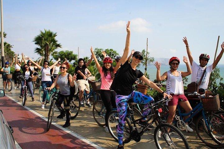 Lima Bike Tour on Miraflores and Barranco Bay, Lima, PERU