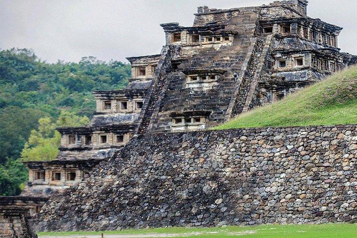 Ciudad Mágica: Papantla Y El Tajín En Veracruz, Veracruz, MEXICO