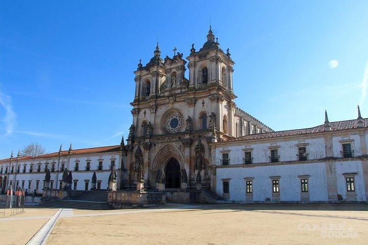 Lisbon to Porto with stop at Óbidos Nazaré Fátima Coimbra and Aveiro private, Lisboa, PORTUGAL