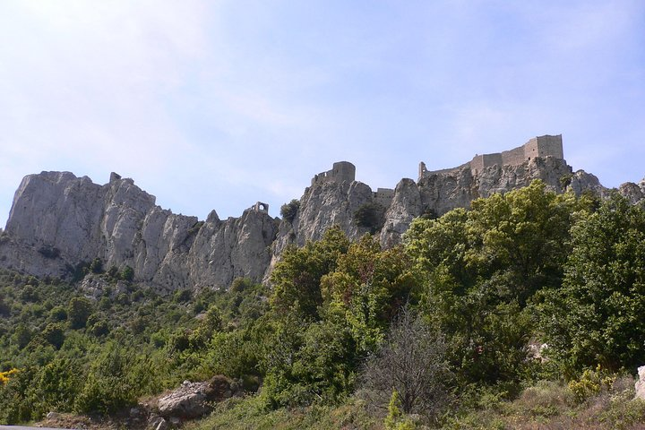 Private day tour to Cucugnan, Quéribus & Peyrepertuse castles. From Carcassonne., Carcasona, FRANCIA
