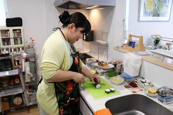 Japanese Cooking Lesson and Meal with a Local Professional in her Lovely Home, Sapporo, JAPÃO