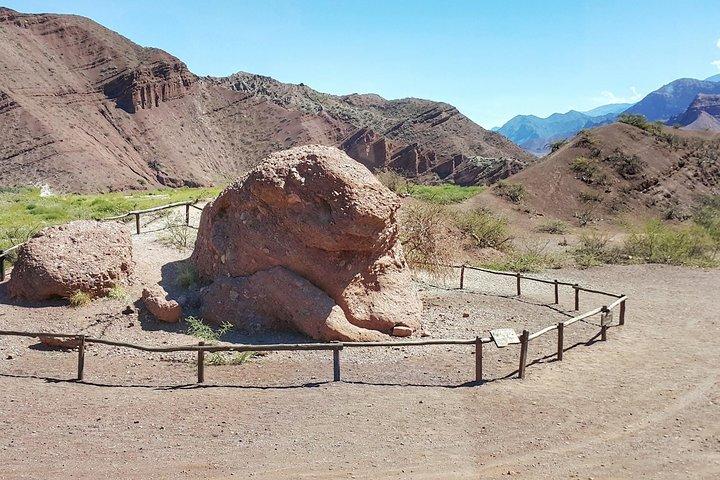 Full-Day Tour Cafayate Calchaqui Valleys with Wine, Salta, ARGENTINA