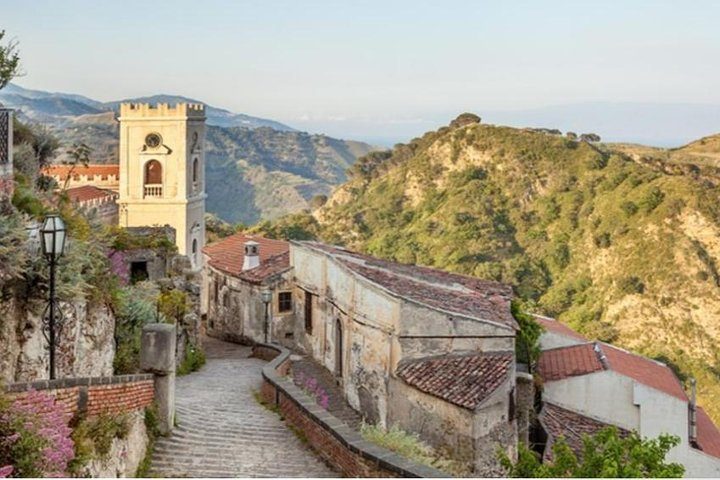 Godfather Private Tour from Catania: Savoca and Forza D'Agro with options of Food, Wine tasting and Dinner, Catania, ITALIA