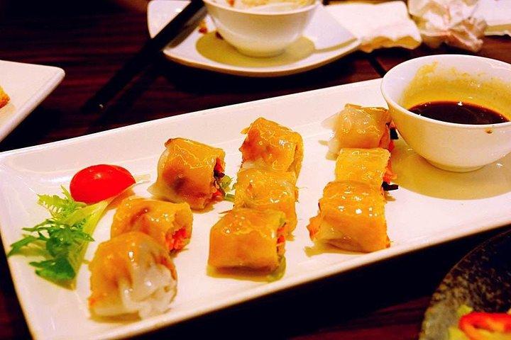 Shanghai Dinner and Acrobatics Show, Shanghai, CHINA