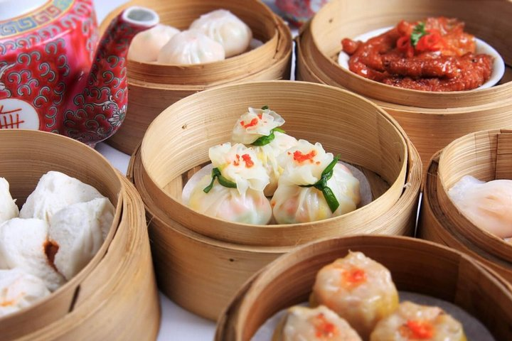 Hong Kong Food Tour with a Local: A Feast for Foodies 100% Personalized, Hong Kong, CHINA