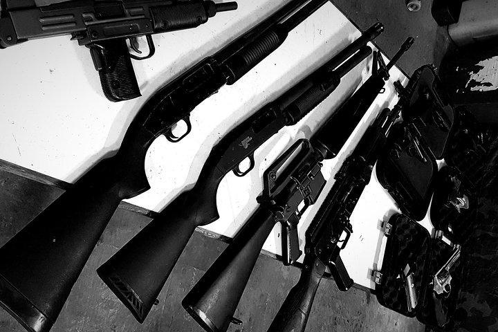 Krakow: Extreme Shooting Range with Hotel Pick-Up, Cracovia, Poland