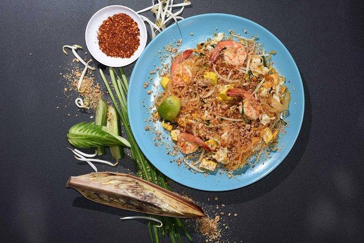 Riverside Thai Cooking Class in Khao Lak with Market Tour, Khao Lak, TAILANDIA