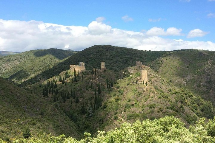 Half day tour to Lastours Castles. Private tour from Carcassonne and around., Carcasona, FRANCIA