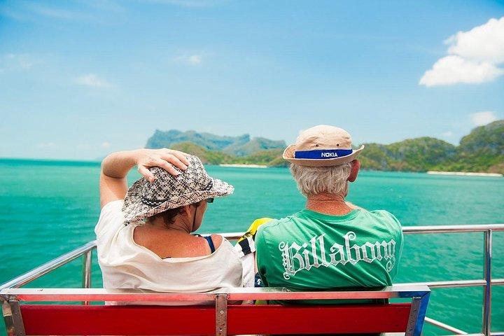 Blue Stars Kayaking Adventure in Angthong Marine Park, Surat Thani, TAILANDIA