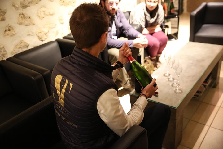 Small Group - Half Day Champagne Tour - Visit of 2 Small Producers/Growers, Reims, FRANCIA