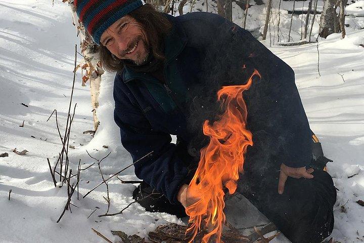 Fire Man Guided Snowshoe Tour, Mont-Tremblant, CANADÁ