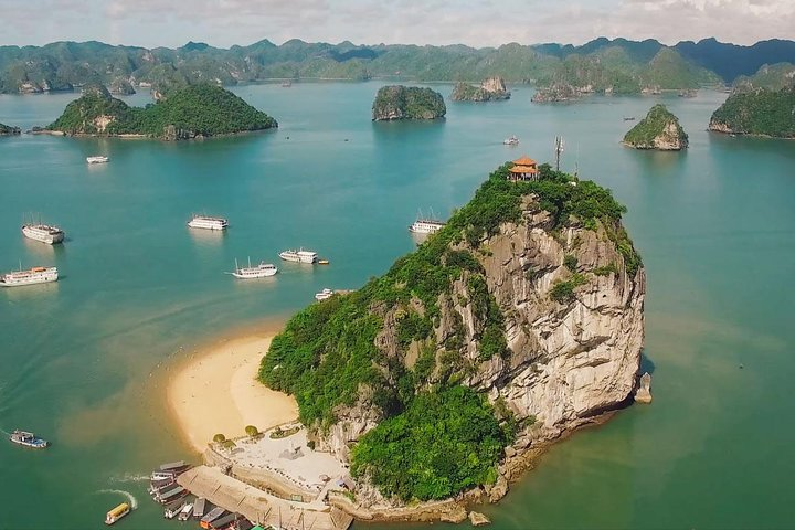 Halong Bay Full Day With Sung Sot Cave, Kayaking And Swimming At Titop Island, Halong Bay, VIETNAM