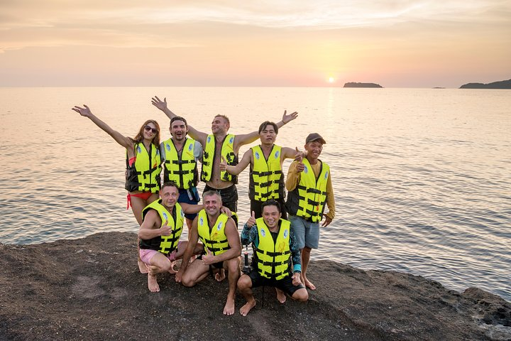 Cable Car, Aquatopia Water Park & 4 Islands Trip By Speed Boat, Phu Quoc, VIETNAM