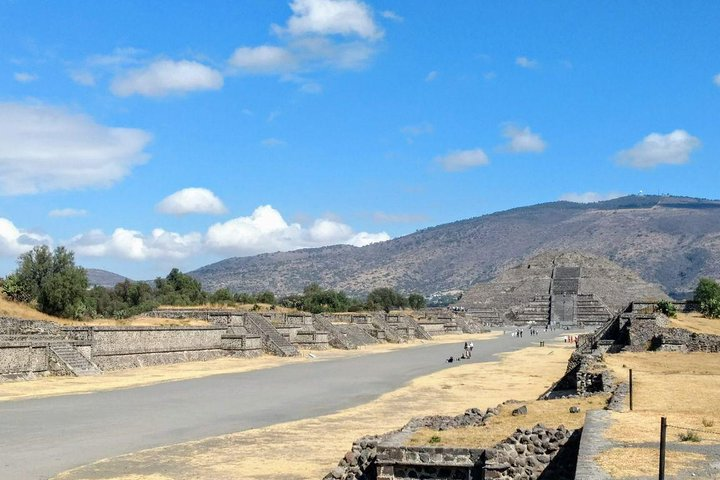 Private Tour: Pyramids of Teotihuacan and Piramides of Atlantes de Tula, Ciudad de Mexico, Mexico